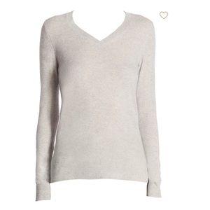 Saks Fifth Avenue cashmere v neck sweater